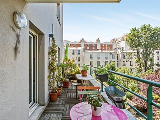 2br with terrace, close to Paris - W491