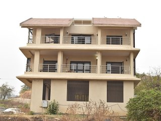 Bungalow with stunning Khadakvasla dam view