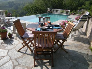 Casa Fonda-Piemonte bed and breakfast spectacular infinity pool CIROO4115OOOO5