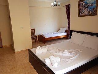 Hotel Alexander - Family Room 1
