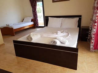 Hotel Alexander - Quadruple Room 2