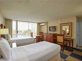 Ewa Hotel Waikiki #503