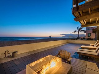 Stunning 5BR on Pierpont Beach w/ Pool & Exquisite Oceanfront Outdoor Living