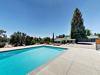 Stunning Templeton 3BR/2BA, 1-Acre Backyard Oasis w/ Pool & Diving Board