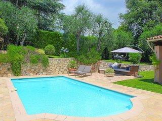 Charming villa 5 minutes walk to Valbonne village