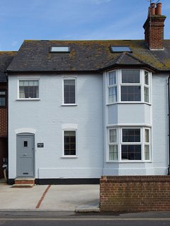 Sherkin - Family holiday home in the heart of the village