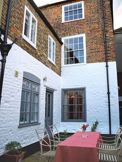 Charming Georgian Town House in the heart of Deal's Conservation area