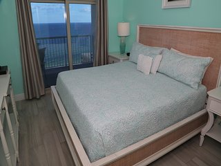 Crystal Tower 1602 ~ Sparkling Coastline Views ~ FREE Wifi ~ Lazy River ~ Gulfsa