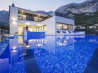Luxury Villa High Hopes with Pool