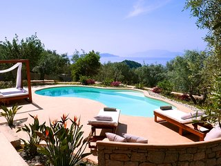 Villa and free Boat for September - Amapola Villas