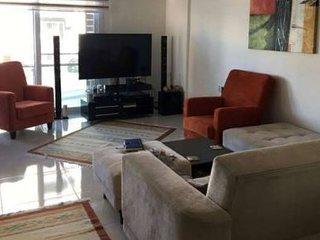 New 2 bedrooms in center of Kyrenia. Girne merkezde 2 yatak odalI yeni daire