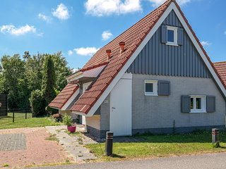 6 pers. house Olivia with private garden close to the National Park Lauwersmeer