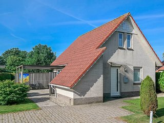 6 pers. holiday house behind the dyke and the sea Lauwersmeer