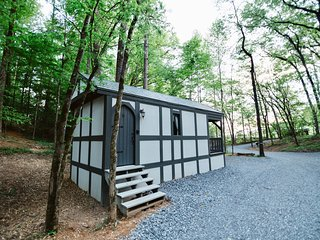 Tiny Home Cottage Near the Smokies #6 Greta