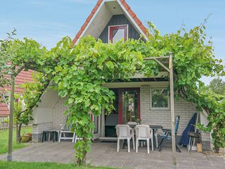 6 pers. holiday home close to the National Park Lauwersmeer