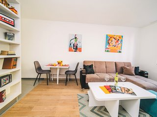 Modern 2BDR apartment-CATHEDRAL VIEW-BEST LOCATION