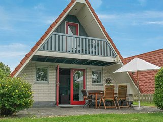 6 Pers Holiday home w terrace close to National Park Lauwersmeer