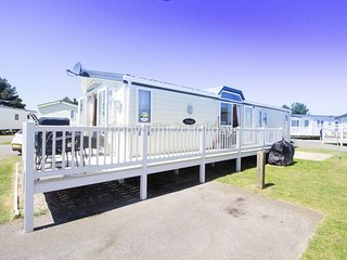 6 berth caravan in Seashore Haven Holiday Park in Great Yarmouth. Ref 22021E
