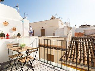 Lepanto. 2 bedrooms, terrace, free parking