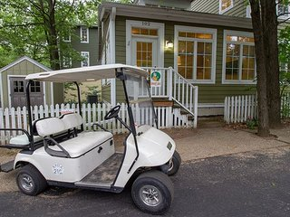 Ideal Family Getaway Home! 2bed 2bath sleeps 6, golf cart included!