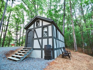 Tiny Home Cottage Near the Smokies #8 Helga