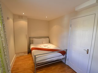 Large 1 Bed Flat in Brick Lane & Spitalfileds Area - Accomodates 5 guests