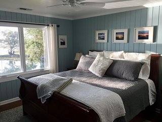 Waterside Retreat Bed & Breakfast: Adele's Enchantment