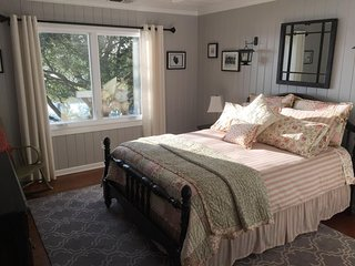 Waterside Retreat Bed & Breakfast: Dorothy's Den
