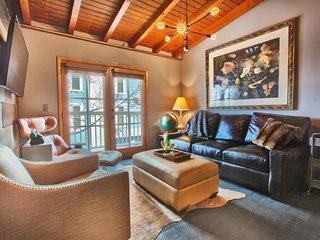 Modern and cozy condo with unbeatable location - walk to everything!