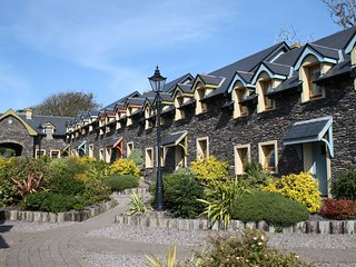 Dingle Courtyard Cottages (3 Bed - Sleeps 6)