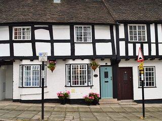 Charlie's Cottage - Grade ll* Listed Black & White Property