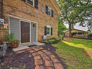 NEW! Cozy Sugar Hill Home - 30 Min to Lake Lanier!