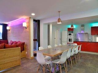 Appartement rénové composé de 6 pièces pour 14 personnes de 140 m²