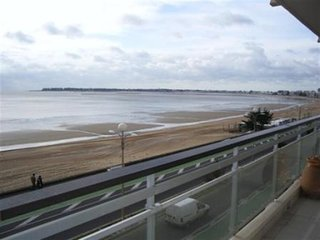 LA  BAULE  LES  PINS FACE  MER - Grand Appartement 4 personnes