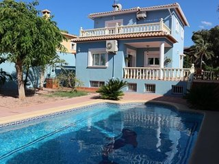 107037 - Villa in Denia
