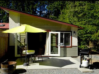 Newly Renovated Luxury Country Cottage*Sunny Patio*Close to Wineries and Hiking