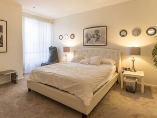Luxury Private Bed and Bath Suite in Hollywood