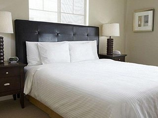 Oakwood Portland Pearl District - Two Bedroom Furnished Apartment