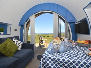 62569 Log Cabin situated in St Davids (7.5mls NE)