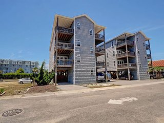 Breezy - Great 3 bedroom ocean view condo