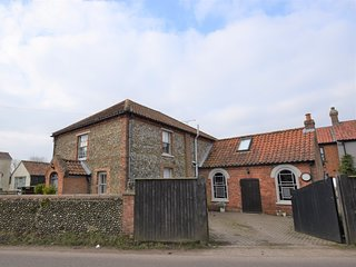 55732 Cottage situated in Melton Constable (2mls E)