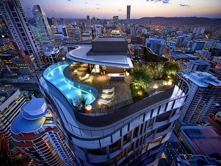 Infinity Roof Top Pool, City Apartment