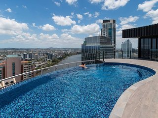 Stay in Style - Luxury CBD Apartment