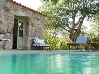 Bergerie Corse 2 personnes avec piscine privée à proximité de Santa Giulia