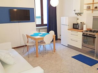 Filippini Blue apartment in Verona with WiFi & air conditioning.