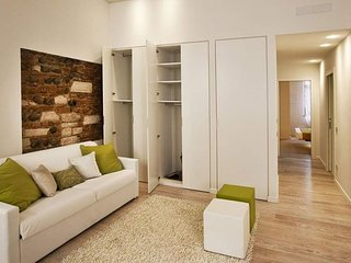 Casa Verdi apartment in Verona with WiFi & air conditioning.