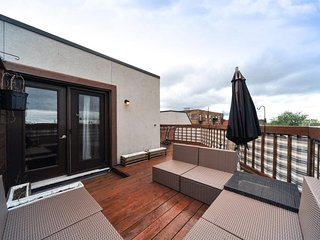 PENTHOUSE WITH ROOFTOP in great Montreal location