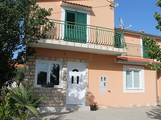 Apartment Ante - One Bedroom Apartment with Terrace and Garden View