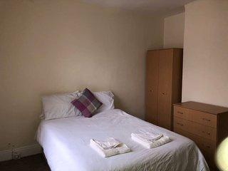 Comfy Room in Central Southsea. (TR1)