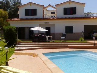 Isolated Villa with a pool, located in Vilamoura